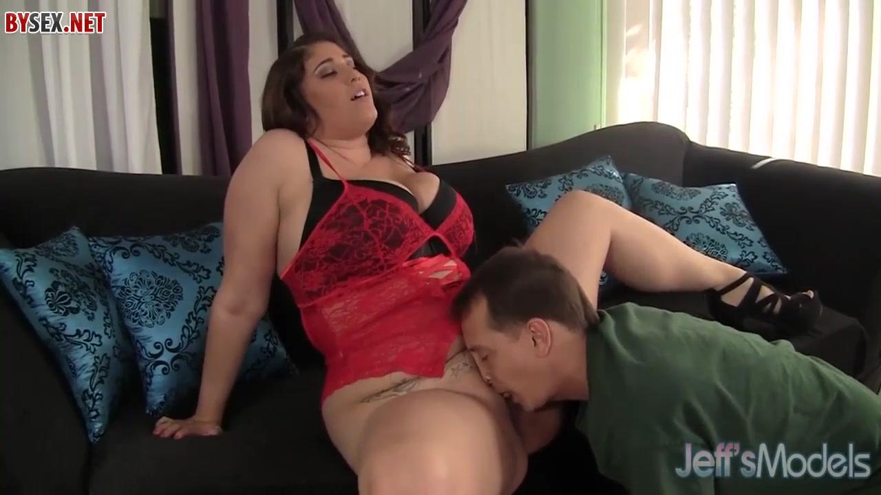 analniy-seks-s-trudom-video