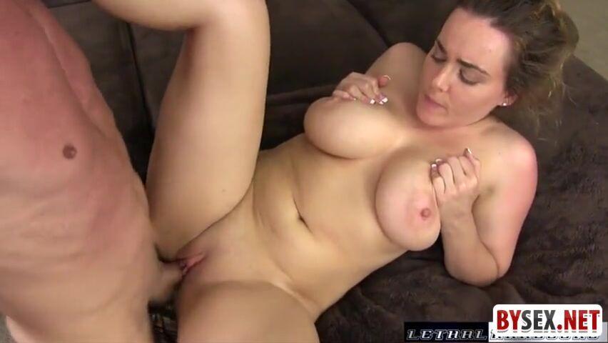 Молодая но талстая жена порно
