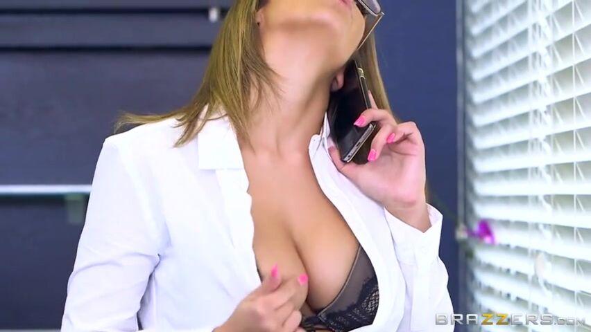 Порно видео секретарш в очках