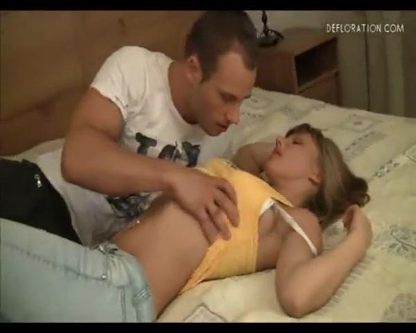 Секс с молодой девственницей