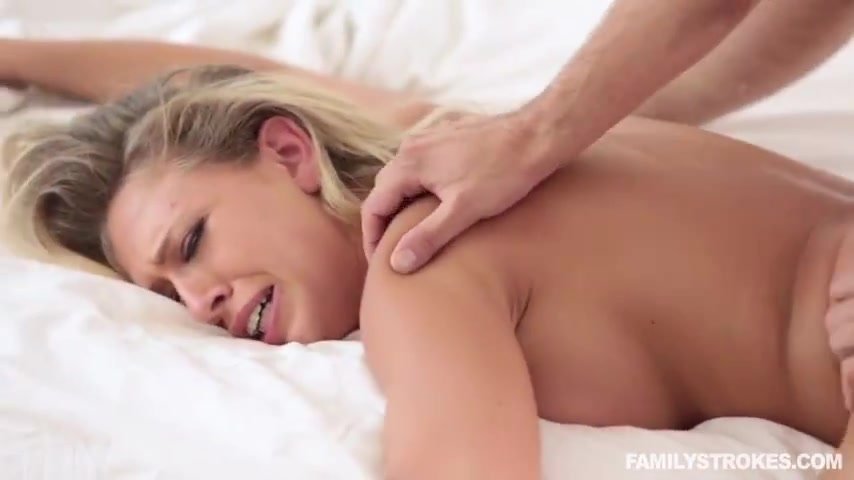 Порно видео 25 лет спит