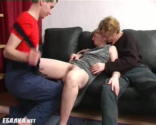 Онлайн порно дикая мать