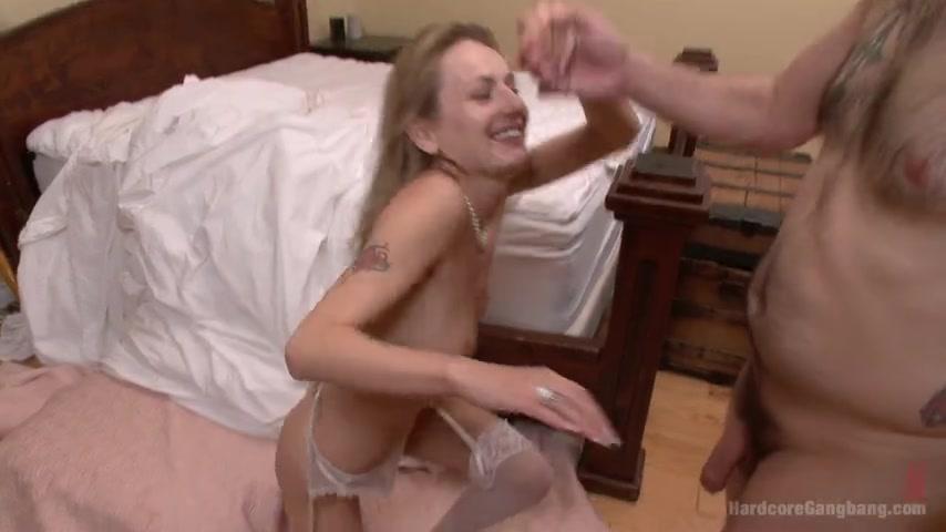 pornuha-s-druzhkami-na-svadbah-istoricheskiy-porno-film-kleopatra