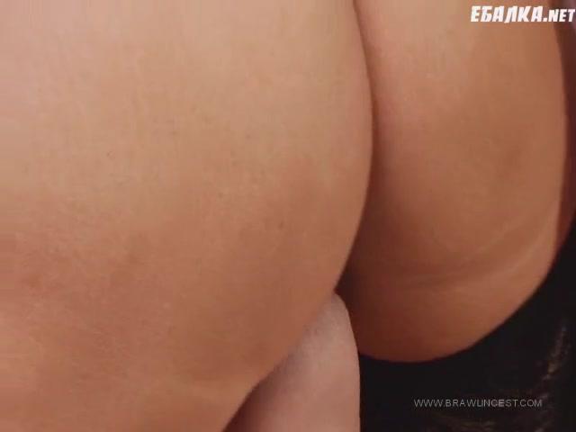 Семейное домашнее русское порно видео сын маме делает кунилингус