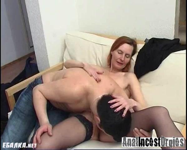 Порно на работе мамаш видео