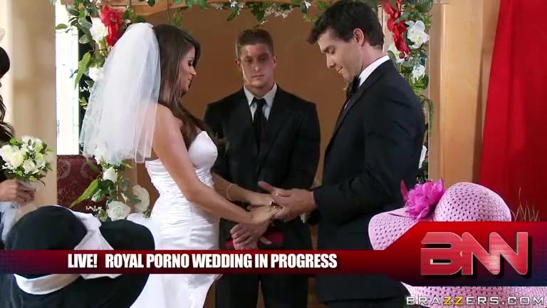 doma-sluchayno-porno-svadba-v-pitere-na-kvartire-otzhigaet-porno