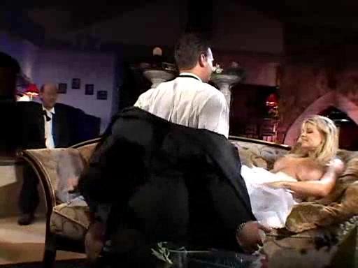 video-drochki-chlena-zhenoy-na-svadbe