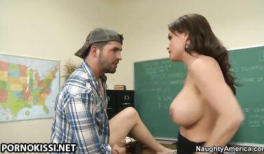Студент трахнул учителя по начертательной геометрии на пересдаче