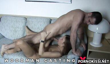 Кет подставила задницу для большого хуя на кастинге Вудмана