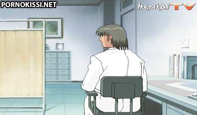 Гинеколог ласкает сиськи медсестры и сжимает киску