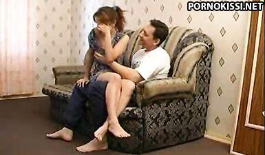Отец соблазнил собственную дочь на инцест