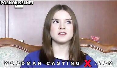 Двойное проникновение и много камшота на лицо Evelina Darling