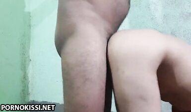 Индийская милашка кувыркается с бойфрендом