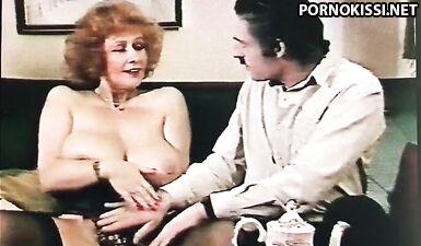 Ретро порно с кудрявой милфой