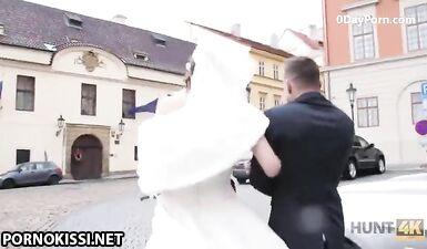 Невесту трахнули за деньги на глазах у мужа