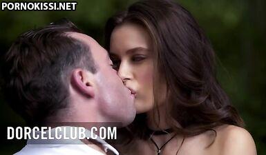 Секс на свежем воздухе с великолепной молодой Ланой Роудс