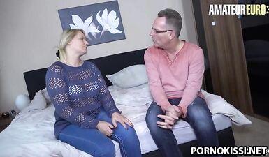 Немецкая зрелая с большой задницей наслаждается сексом