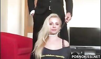 Милфу-блондинку жестко трахнули