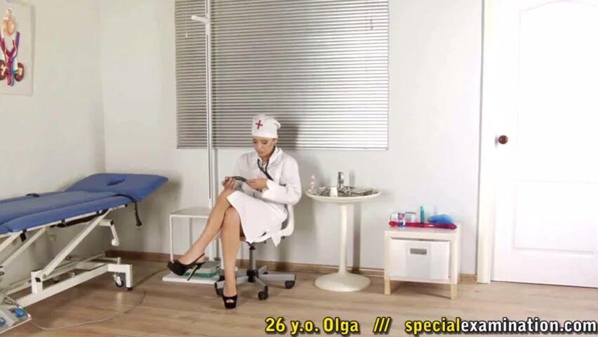 Видео медсестра лесбиянка совратила свою пациентку