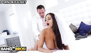Невеста с сиськами 5 го размера трахается с братом жениха