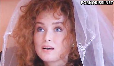 Рыжую невесту выебал в жопу друг жениха, а потом сам жених