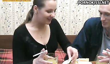 Русское порно с пьяной девушкой снятые в 90 е года в России