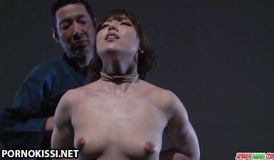 Азиатка получила БДСМ сессию от грубого мужика
