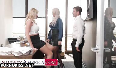 Лондон Ривер и Рэйчел Кавалли устроили горячий секс втроем в офисе