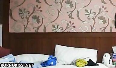 Толстый студент из Шанхая выебал молодую подружку в жопу