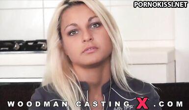 Питерская модель разделась перед Вудманом для жесткого секса