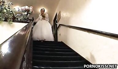 Бармен выебал невесту в анал, отговорив ее от свадьбы