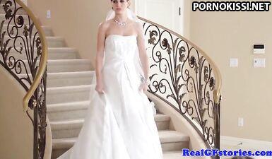 Фотограф вылизал писю и трахнул невесту после свадебной фотосессии